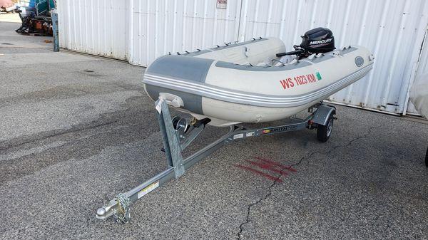 West Marine 350 RIB