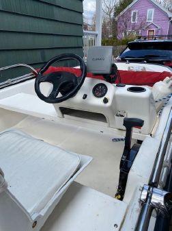 Boston Whaler 130 Sport image