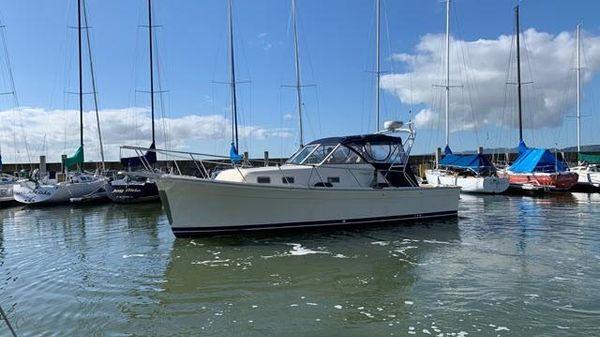Mainship Pilot 30 II Rum Runner