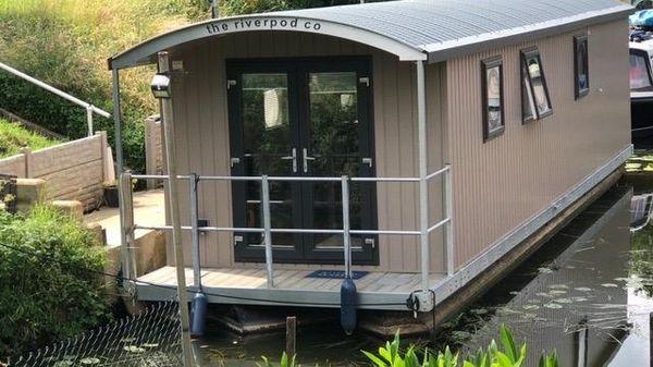 Houseboat Pontoon houseboat 40