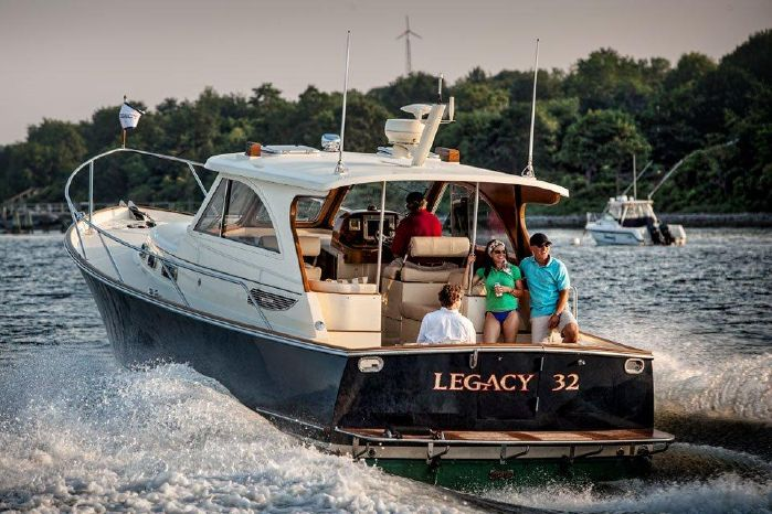 2016 Legacy Yachts 32