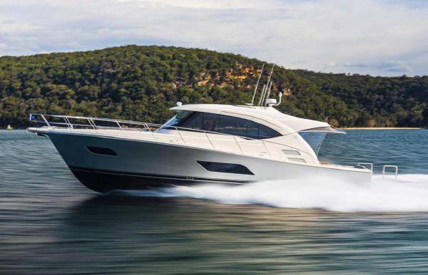 2021 Riviera 545 SUV