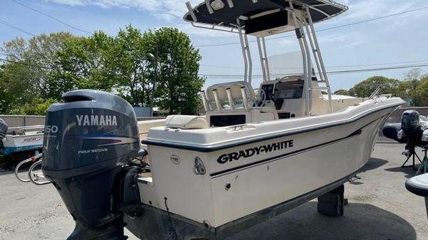 Grady-White Escape 209
