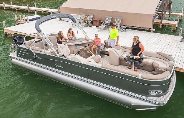 2019 Avalon Catalina Entertainer - 25'