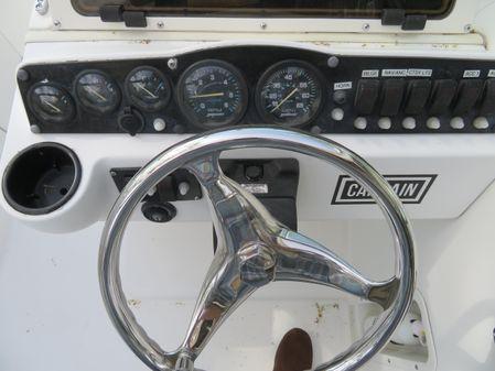 Boston Whaler Ventura image
