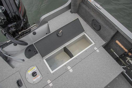 Crestliner 1650 FISH HAWK SE SC image