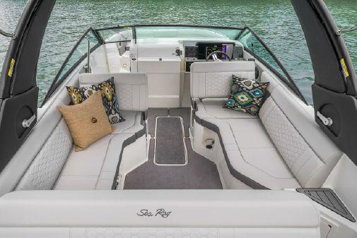 Sea Ray SDX 250 image