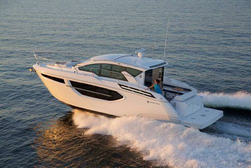 Cruisers Yachts 42 Cantius image