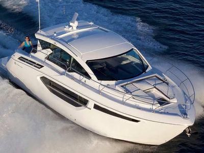 2019 Cruisers Yachts<span>42 Cantius</span>