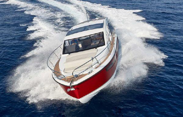 2021 Sealine C330V