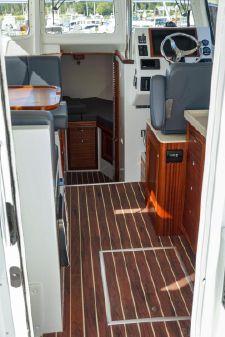 Ocean Sport Roamer 30' Outboard image