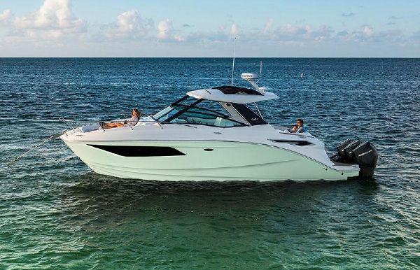 2022 Sea Ray Sundancer 320 OB