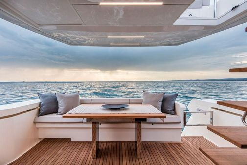 Ferretti Yachts 450 image