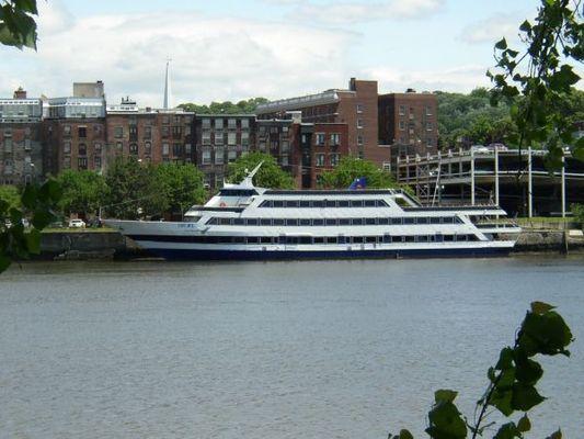 Blount Luxury Dinner Yacht (GPC) - main image