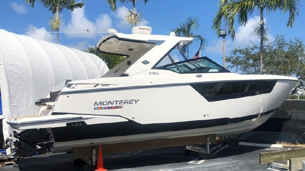 Monterey 378 SE Super Loaded, lift kept