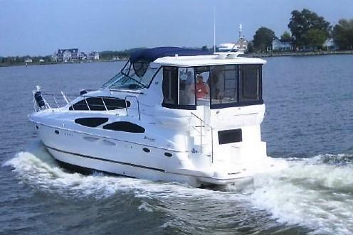 Cruisers Yachts 4050 Motor Yacht