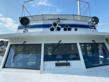 Pluckebaum Coastal Yacht image