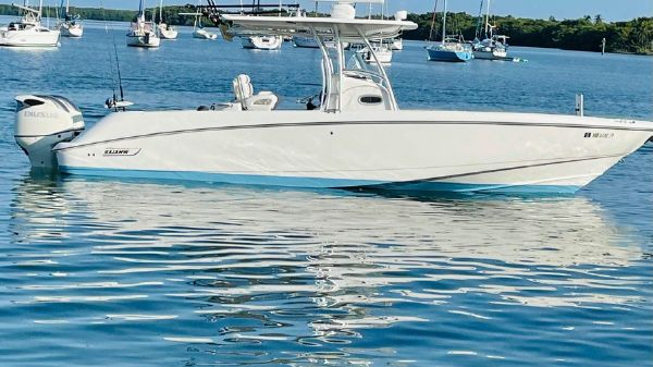 Boston Whaler 320 Outrage
