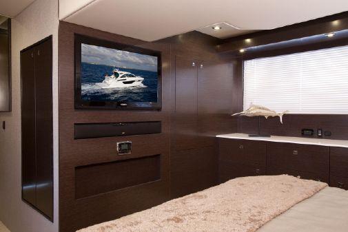 Cruisers Yachts 50 Cantius image