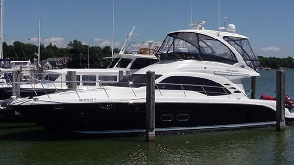 Sea Ray 52 Sedan Bridge Exterior 1