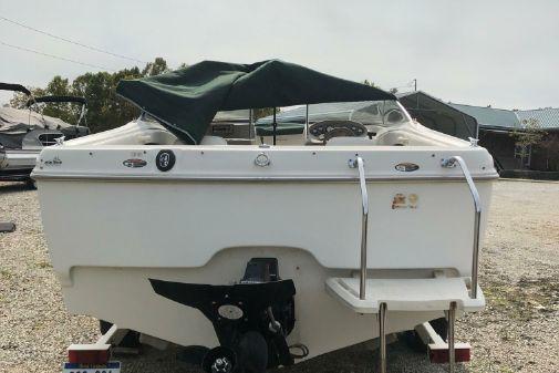 Bayliner 2150 Capri image