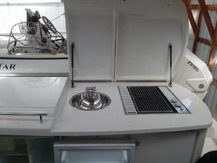 Navigator 58 Sedan image