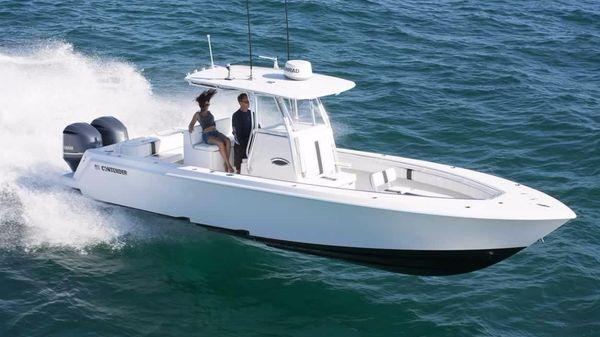 Contender 32 ST Starboard Side
