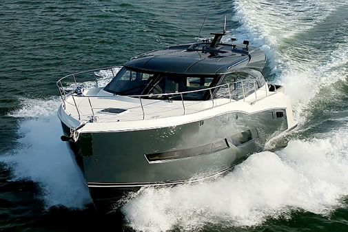 Carver C43 Coupe image