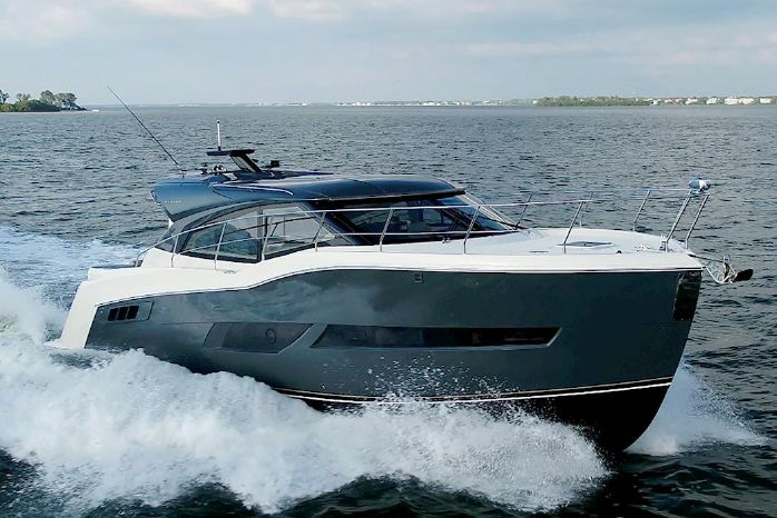 2019 Carver C43 Coupe Waterfront Marine
