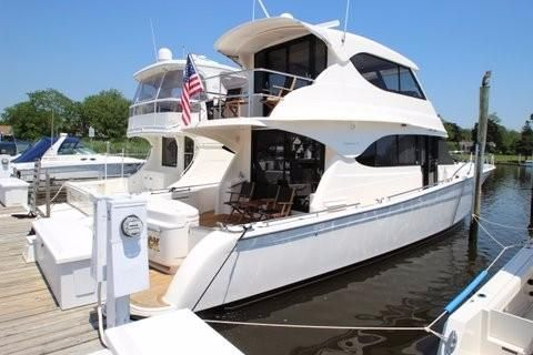 Maritimo Yachts M52 Starboard Side