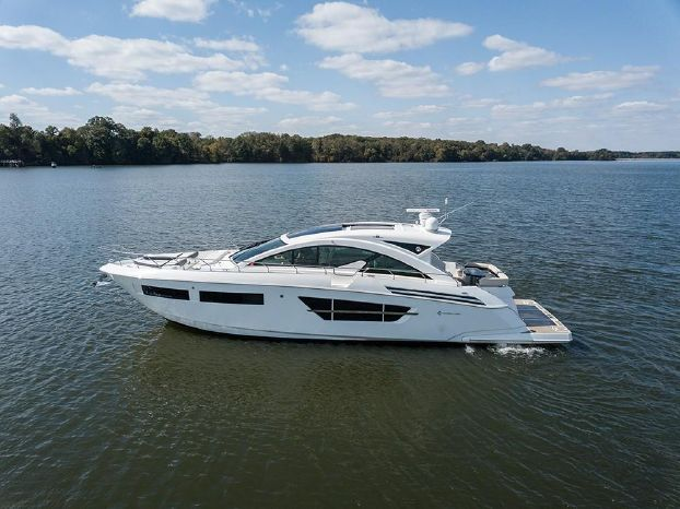 2017 Cruisers Yachts Brokerage Connecticut