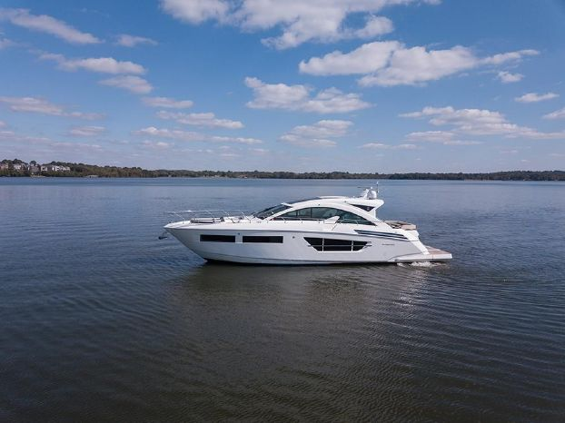 2017 Cruisers Yachts Sell Maine