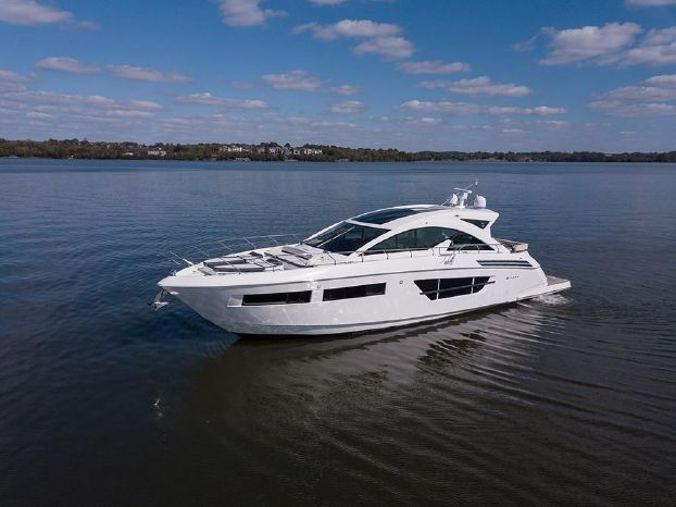 2017 Cruisers Yachts For Sale Sell