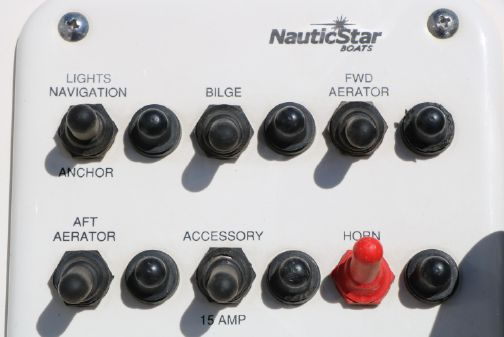 NauticStar 1810 image