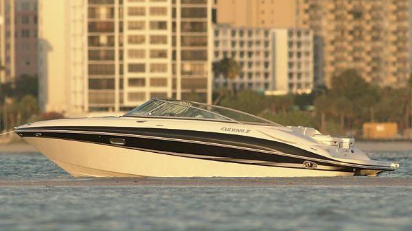 Four Winns 250 Horizon Manufacturer Provided Image