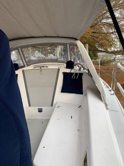 Catalina 270 image