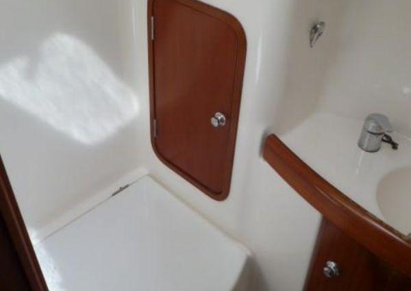 Beneteau 44' Center Cockpit image