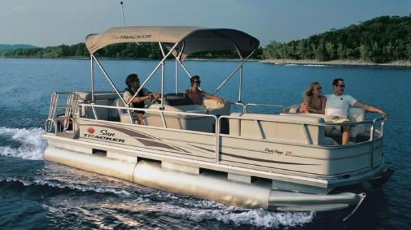 Sun Tracker PARTY BARGE 21 Signature Series