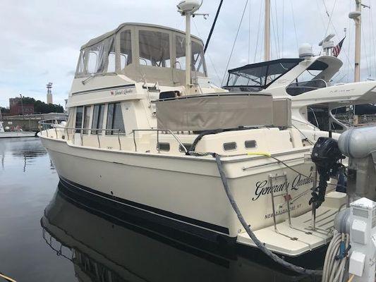 Mainship 430 Trawler - main image