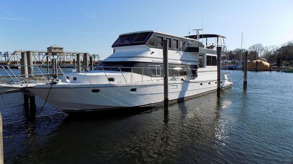 Novatec Live-Aboard Yacht Cruiser