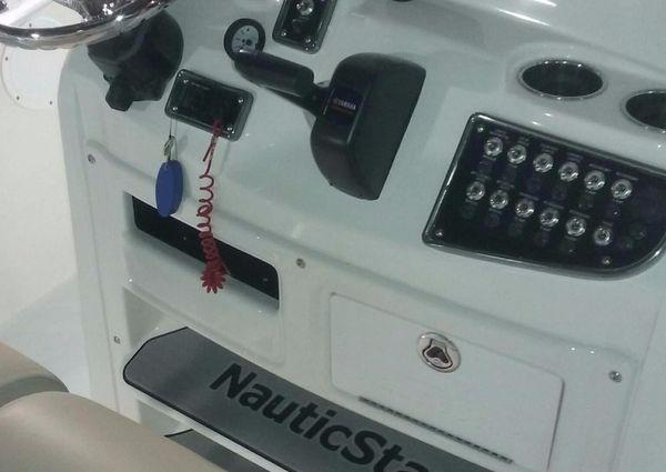 NauticStar 2200XS Offshore image