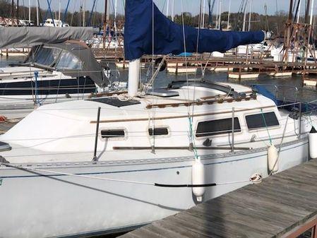 Islander 30 image