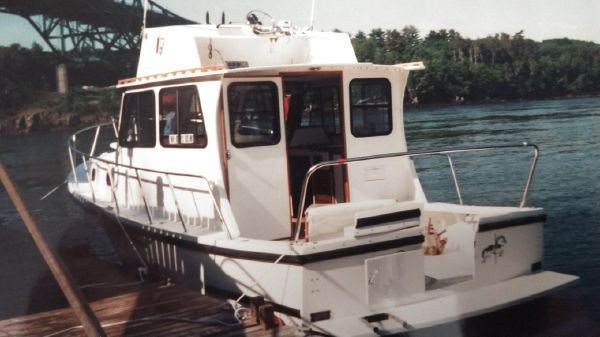 Eastern 31 FlyBridge Extended Cabin