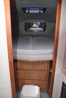 Chris-Craft 333 Sedan image
