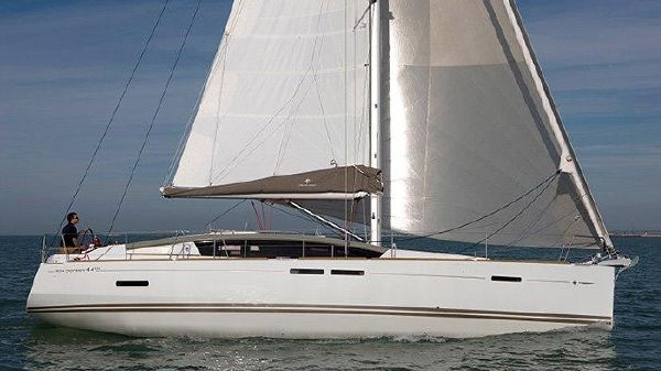 Jeanneau Sun Odyssey 44 DS Manufacturer Supplied Photo
