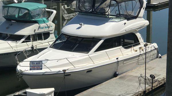 Bayliner 3788 Command Bridge Motoryacht