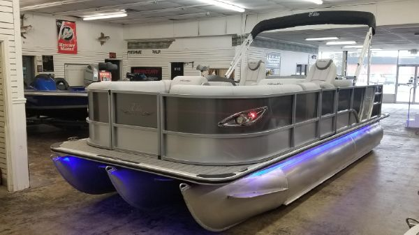 Bentley Pontoons 223 Swingback DC