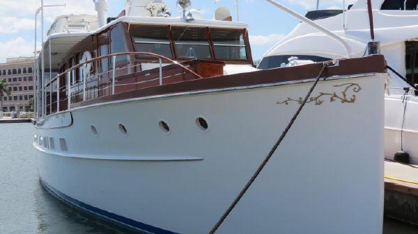 Trumpy Classic Motor Yacht