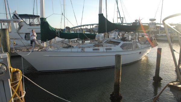 Freedom Yachts 39 Pilot House