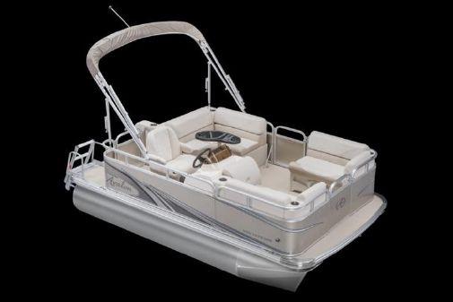 Avalon Venture Cruise - 20' image